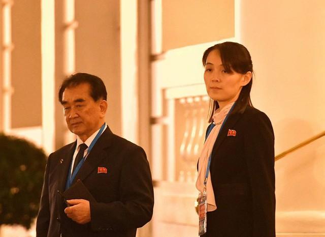 Nóng: Em gái ông Kim Jong-un cùng quan chức Triều Tiên bất ngờ xuất hiện tại khách sạn Metropole - Ảnh 4.
