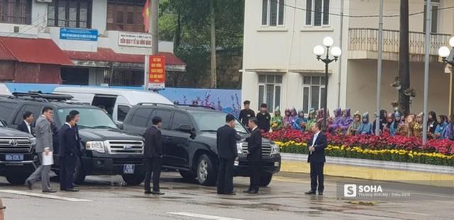 Khoảnh khắc đón đoàn tàu chủ tịch Triều Tiên Kim Jong Un tại ga Đồng Đăng - Ảnh 5.
