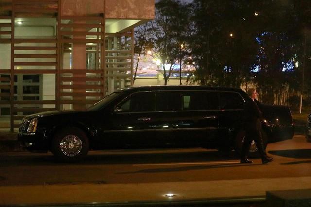 Đoàn siêu xe The Beast đưa Tổng thống Trump về khách sạn JW Marriott qua cửa bếp - Ảnh 39.