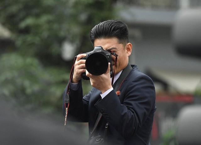 Chủ tịch Triều Tiên Kim Jong Un cùng em gái bước xuống từ tàu bọc thép, bắt đầu công du Việt Nam - Ảnh 8.
