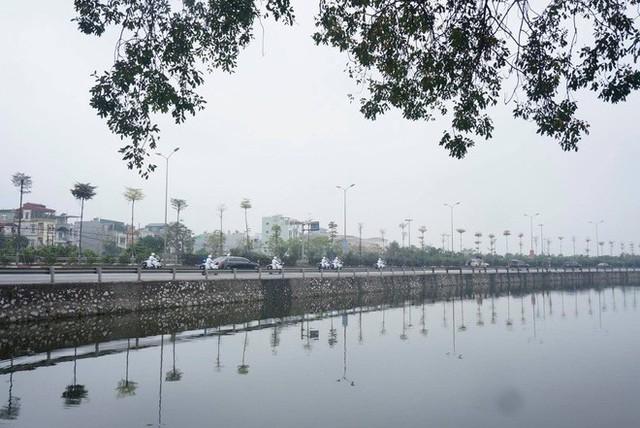 Đoàn xe chủ tịch Triều Tiên Kim Jong Un tiến vào trung tâm Hà Nội - Ảnh 8.