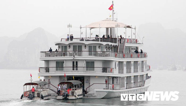 Những hình ảnh mới nhất phái đoàn Triều Tiên lên tàu 5 sao tham quan vịnh Hạ Long - Ảnh 16.