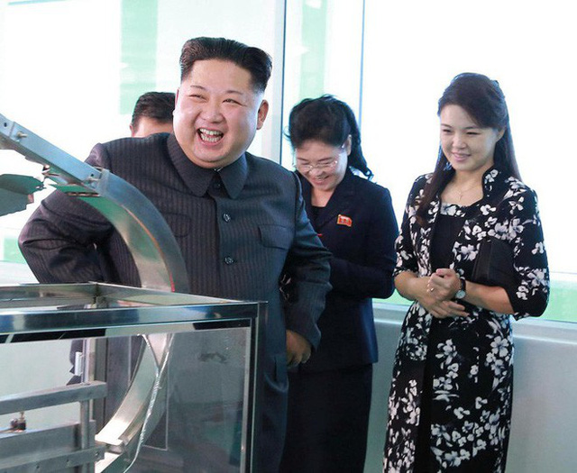 Những mẫu túi xách hàng hiệu chất đến từng đồng của phu nhân ông Kim Jong Un - Ảnh 3.