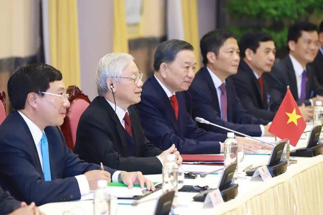[NÓNG] Tổng thống Trump đã tới Phủ Chủ tịch để tham gia hội đàm cùng Tổng Bí thư, Chủ tịch nước Nguyễn Phú Trọng - Ảnh 3.