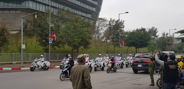 [NÓNG] Tổng thống Trump đã tới Phủ Chủ tịch để tham gia hội đàm cùng Tổng Bí thư, Chủ tịch nước Nguyễn Phú Trọng - Ảnh 30.