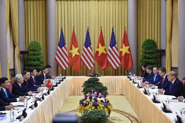 [NÓNG] Tổng thống Trump đã tới Phủ Chủ tịch để tham gia hội đàm cùng Tổng Bí thư, Chủ tịch nước Nguyễn Phú Trọng - Ảnh 6.