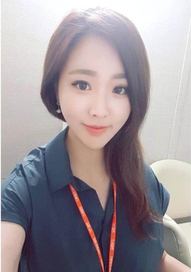 Nữ phóng viên Hàn gây sốt mạng xã hội Việt: Xinh đẹp tài năng, từng thi Hoa hậu - Ảnh 6.