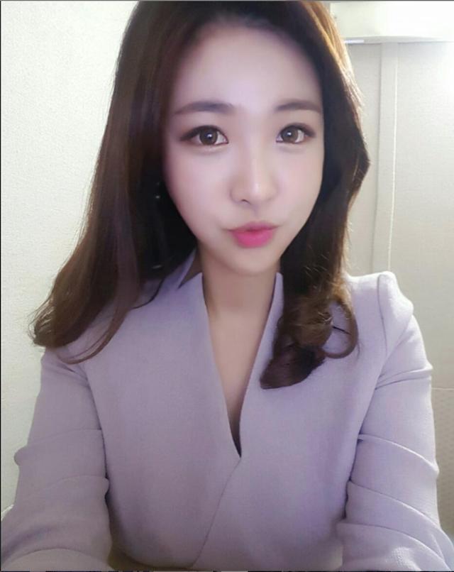 Nữ phóng viên Hàn gây sốt mạng xã hội Việt: Xinh đẹp tài năng, từng thi Hoa hậu - Ảnh 8.