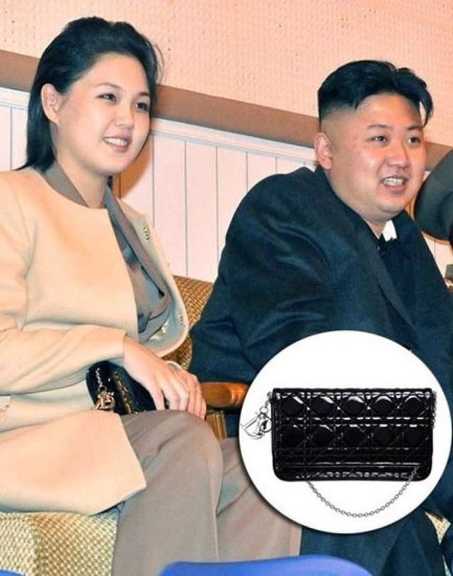 Những mẫu túi xách hàng hiệu chất đến từng đồng của phu nhân ông Kim Jong Un - Ảnh 10.