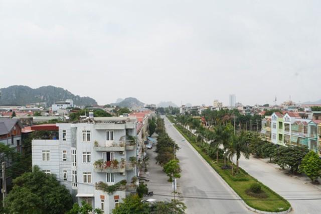 Lãnh đạo tỉnh Thanh Hoá nói gì về tuyến đường 455m hết 128 tỉ đồng? - Ảnh 1.