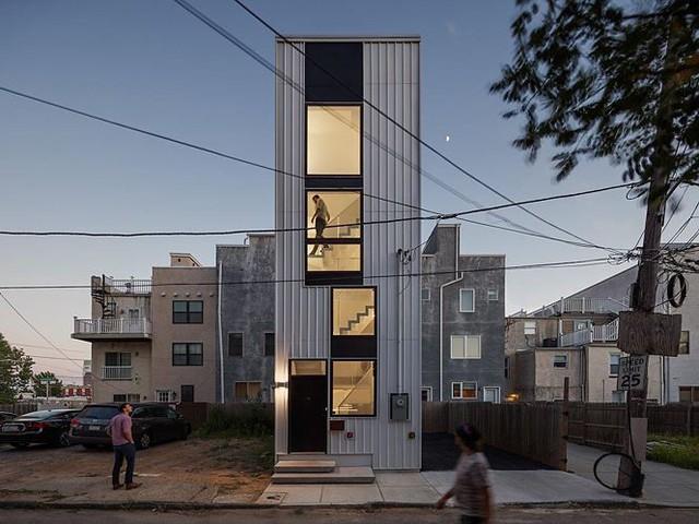 """Xây nhà như """"tòa tháp tí hon"""" trên nền đất hẹp - Ảnh 1."""