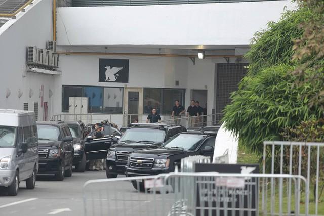 Kết thúc họp báo, TT Donald Trump nhanh chóng ra sân bay về nước ngay trong chiều nay - Ảnh 2.