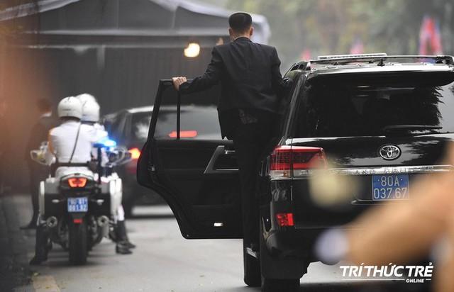Thượng đỉnh ngày 2: TT Trump và chủ tịch Kim đến khách sạn Metropole, bắt đầu chương trình đối thoại - Ảnh 7.