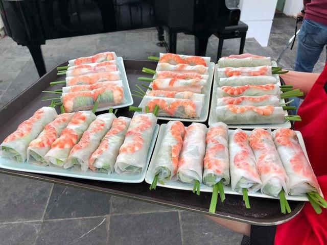 Tiết lộ thực đơn bữa trưa tại Hà Nội của đoàn nữ ca sỹ quyền lực nhất Triều Tiên - Ảnh 9.