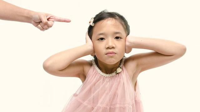 5 câu nói mà cha mẹ rất không nên nói với con cái, đặc biệt là trong những ngày Tết thế này - Ảnh 1.