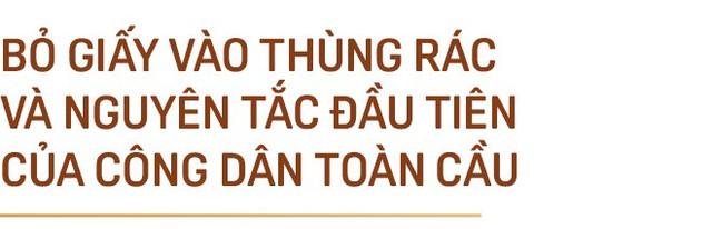 """GS. Phan Văn Trường: Đi ra nước ngoài hãy là chính mình nhưng đừng cứ 5 phút lại tự nhắc nhở """"Tôi là người Việt Nam"""" - Ảnh 1."""