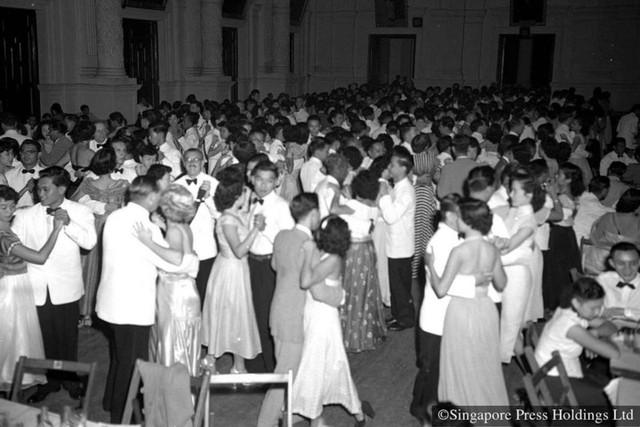 Hình ảnh người Singapore đón Tết âm lịch trong quá khứ và hiện tại - Ảnh 2.