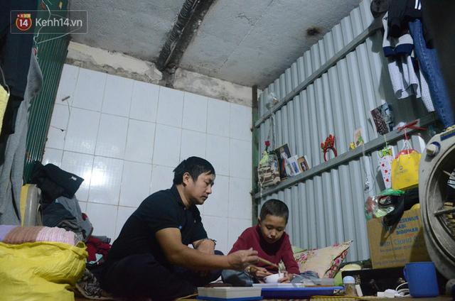 Xót lòng những đứa trẻ phải đón tết trước cổng bệnh viện ở Hà Nội: Nhắc đến quê nhà lại ứa nước mắt vì nhớ - Ảnh 6.