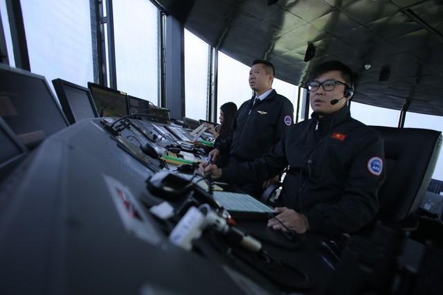 Đột nhập đài kiểm soát không lưu Nội Bài  - Ảnh 1.