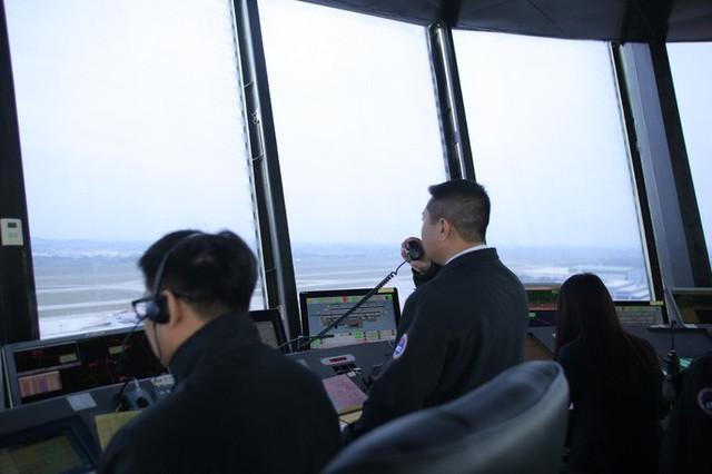 Đột nhập đài kiểm soát không lưu Nội Bài  - Ảnh 14.