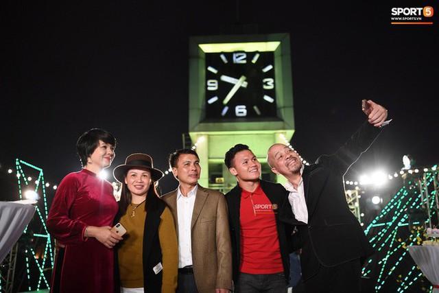 Quang Hải đón giao thừa năm 2019 ở địa điểm đặc biệt nhất trong đời - Ảnh 3.