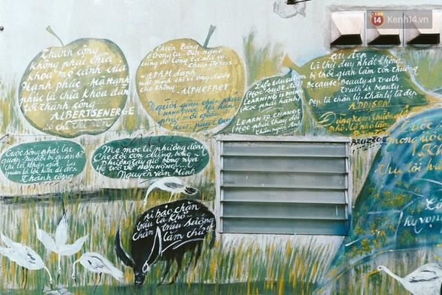 Ông giáo về hưu mang đến những bức tranh mùa xuân mới trong con hẻm nhỏ bình dị ở Sài Gòn - Ảnh 10.