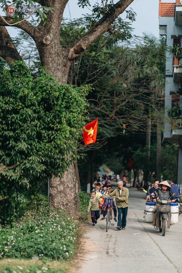 Về thăm ngôi làng ở Hà Nội ăn cả tấn thịt chó vào mùng 4 Tết hàng năm: Không ép bất cứ ai nếu họ không muốn ăn - Ảnh 3.