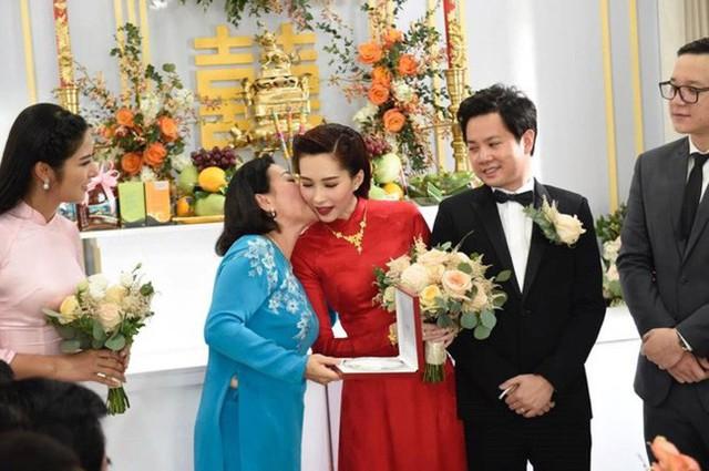 Làm dâu nhà đại gia, loạt mỹ nhân Việt đình đám được mẹ chồng đối xử thế nào? - Ảnh 7.