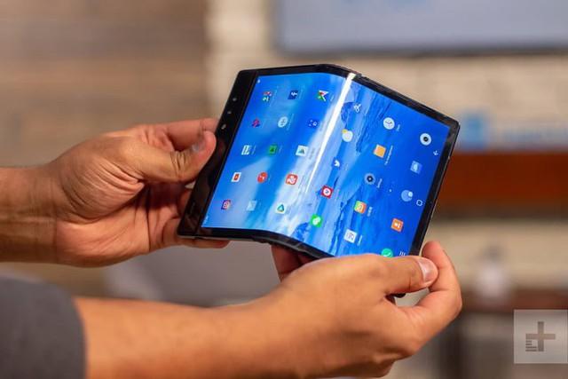 Những mẫu smartphone có thể gập lại nào sắp sửa ra mắt thị trường? - Ảnh 1.