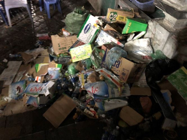 Khách về chùa Hương tăng cao, rác bủa vây khắp lối - Ảnh 4.