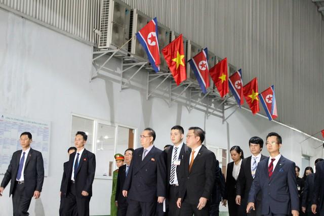 Tập đoàn nhựa ở Hải Dương đón phái đoàn ngoại giao của ông Kim Jong Un - Ảnh 1.
