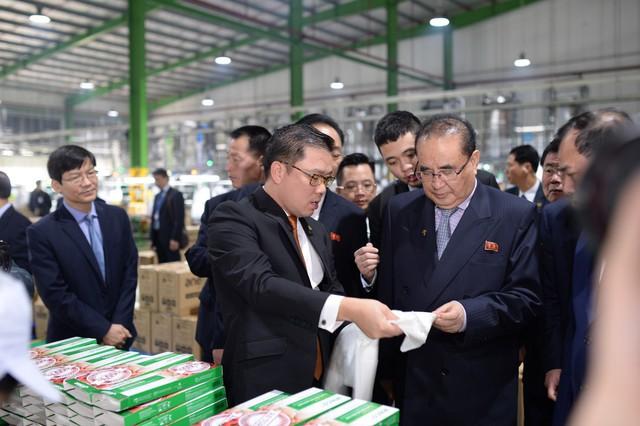 Tập đoàn nhựa ở Hải Dương đón phái đoàn ngoại giao của ông Kim Jong Un - Ảnh 2.