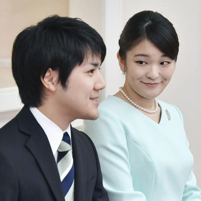 Mako nàng công chúa Nhật Bản: Rời hoàng tộc vì tình yêu, chấp nhận chờ hoàng tử trả nợ xong mới cưới - Ảnh 12.