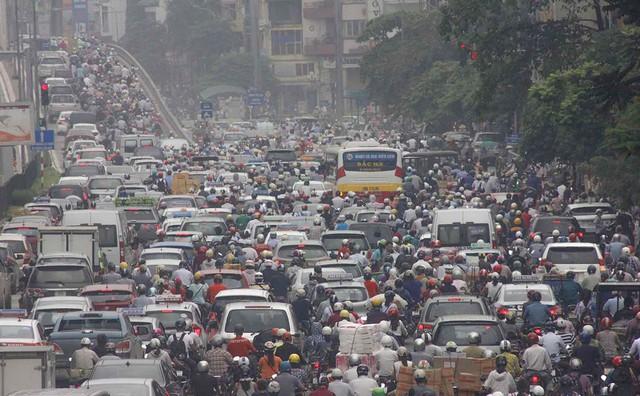 Báo quốc tế nói gì về lệnh cấm xe máy ở Việt Nam? - Ảnh 1.