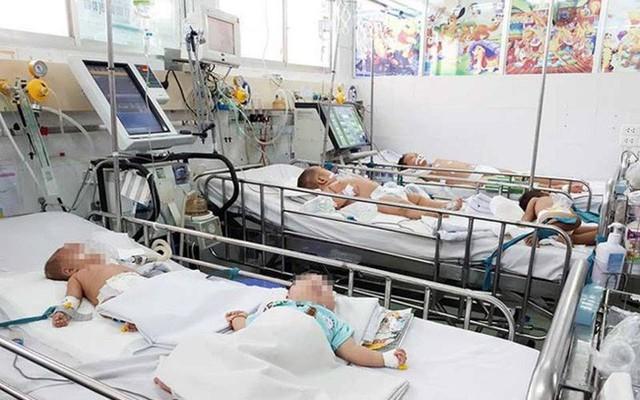 Những câu chuyện ám ảnh cả đời của một bác sĩ: Anti-vaccine, tin lời lang băm chữa bệnh khiến người ta tự giết bản thân, giết con mình như thế nào - Ảnh 3.
