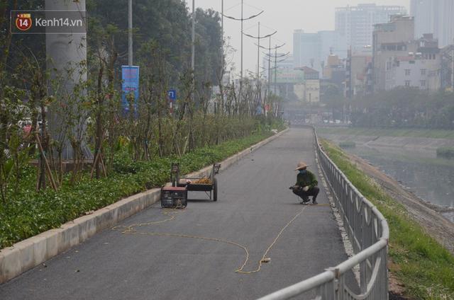 Hà Nội: Cận cảnh tuyến đường dài 4km cạnh sông Tô Lịch chỉ dành cho người đi bộ và xe đạp - Ảnh 4.