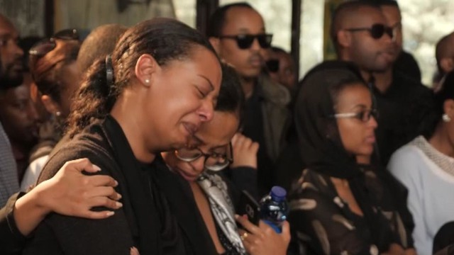 Tears of rage at the funeral of Ethiopian airline pilot - photo 3.