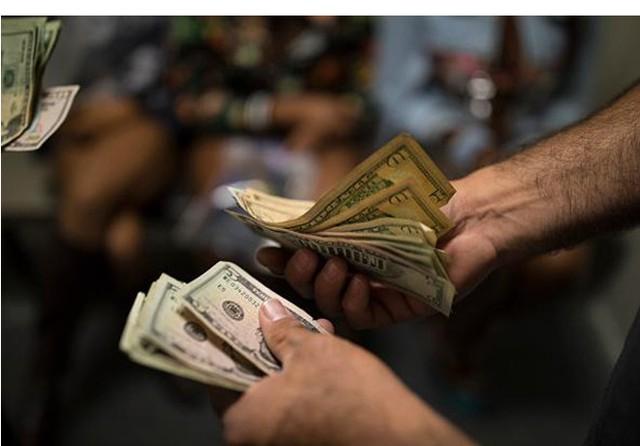 Cuộc sống của gái massage bất hợp pháp trong ngành công nghiệp 2,5 tỷ USD - Ảnh 2.