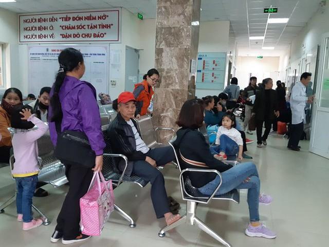Bắc Ninh: Gần 400 học sinh mầm non nghi bị nhiễm khuẩn ấu trùng sán lợn phải xuống Hà Nội khám - Ảnh 1.