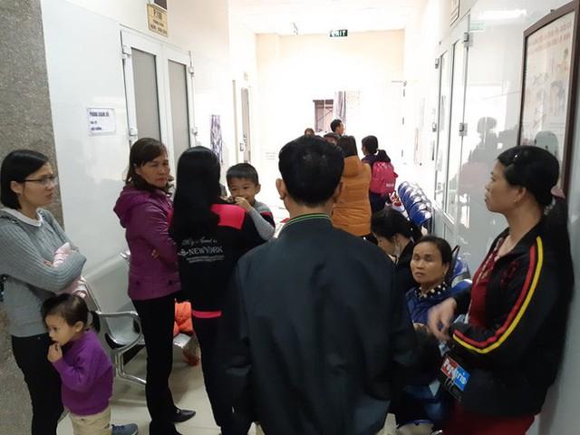 Bắc Ninh: Gần 400 học sinh mầm non nghi bị nhiễm khuẩn ấu trùng sán lợn phải xuống Hà Nội khám - Ảnh 12.