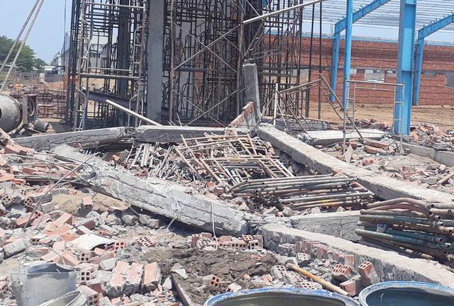 Bộ Xây dựng tham gia điều tra vụ sập tường khiến 6 người tử vong ở miền Tây - Ảnh 1.