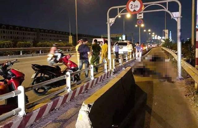 Thêm tai nạn chết người trên đường cao tốc TP.HCM - Long Thành - Dầu Giây vì dải phân cách - Ảnh 1.
