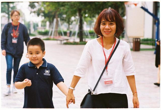 Giọt nước mắt của mẹ và bức tâm thư nhờ cộng đồng tìm trường cho con vào lớp 1 - Ảnh 1.