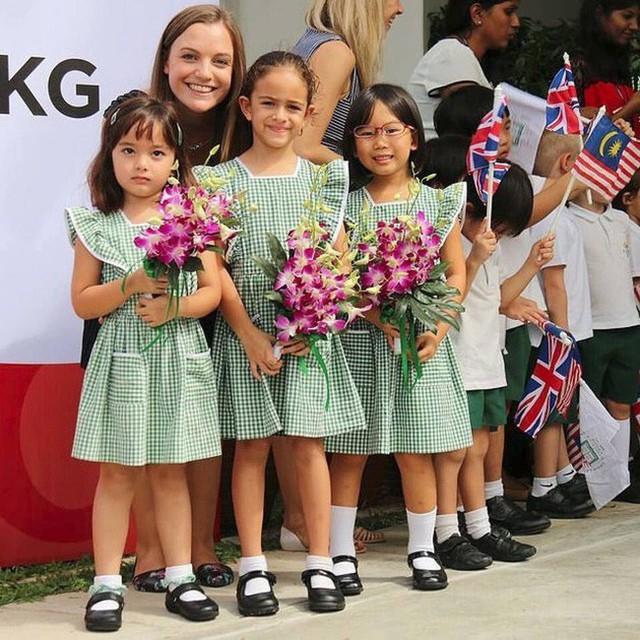 Hé lộ chân dung tiểu công chúa Malaysia đang làm mưa làm gió trên mạng xã hội, không thua kém Charlotte của Hoàng gia Anh - Ảnh 3.