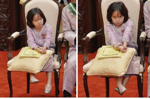 Hé lộ chân dung tiểu công chúa Malaysia đang làm mưa làm gió trên mạng xã hội, không thua kém Charlotte của Hoàng gia Anh - Ảnh 8.