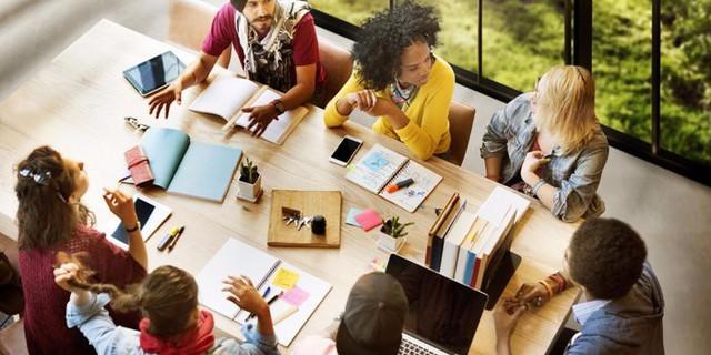 Nghiên cứu mới: Công ty có sếp nữ tạo sự gắn kết và truyền cảm hứng cho nhân viên hơn các công ty có sếp nam - Ảnh 1.