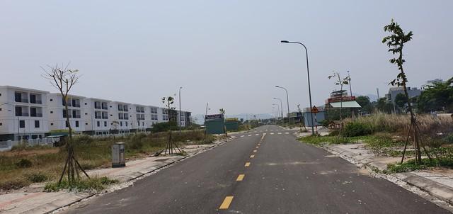 Trung tâm nhà đất mọc trái phép trên các trục đường lớn trong thời sốt đất, Quận Liên Chiểu buộc tháo dỡ trong 24h - Ảnh 3.