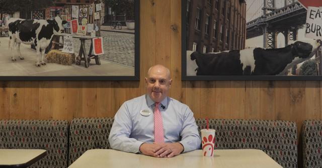 """Một ngày làm việc tại nhà hàng """"không bao giờ nghỉ"""" ở Mỹ và đây là 5 điều bất ngờ mà tôi được chứng kiến - Ảnh 2."""
