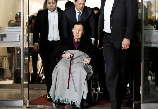 Cuộc chiến vương quyền tại Lotte: Di chúc không rõ ràng, con út đã lật đổ cả cha và anh - Ảnh 3.