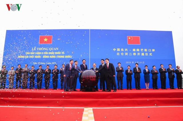 Chính thức thông quan cầu Bắc Luân II nối Việt Nam - Trung Quốc - Ảnh 3.
